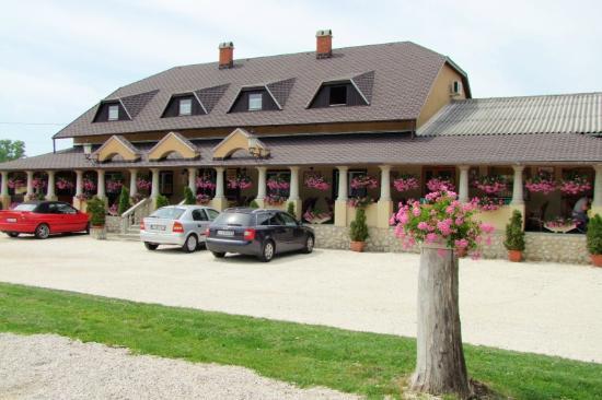 Lucullus Inn