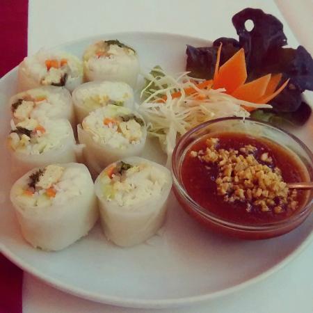 Green Papaya: Kuay Teow ui Suan Kai (rollitos con verduras y pollo)