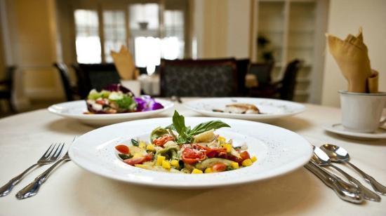 UVA Inn at Darden: Inn at Darden Dining