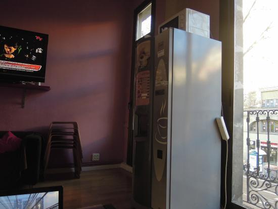 Paraiso Travellers Hostel: Sala de estar