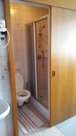 Hotel Rubin: Reverse in drive out toilet