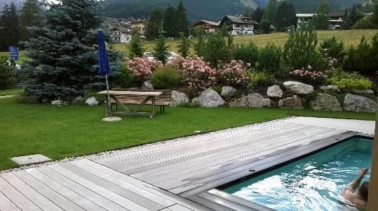 Active Hotel Olympic: piscina-giardino