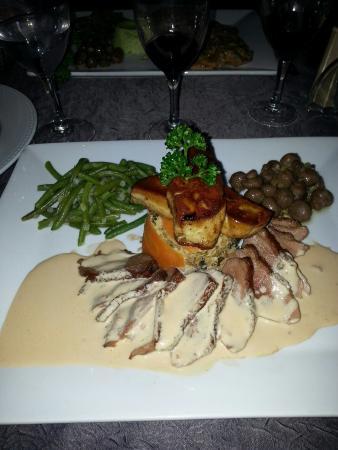 Le Romina : Escalope de foie gras.  Magret de canard et chou