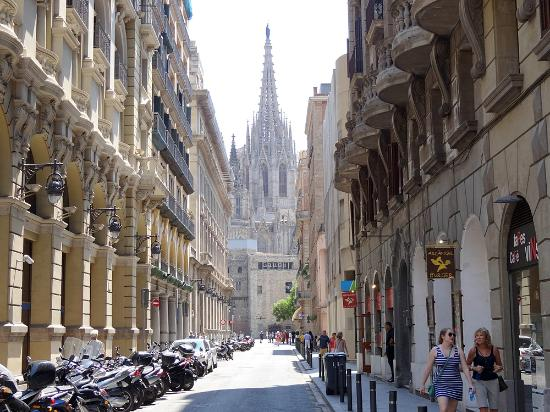 edificio caracteristico picture of ciutat vella