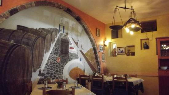 KALLISTI Tavern: inside