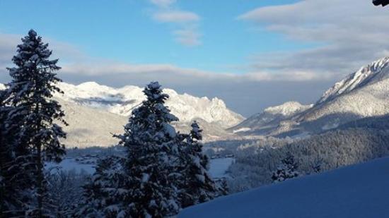 Alm- & Wellnesshotel Alpenhof: view from the childroom