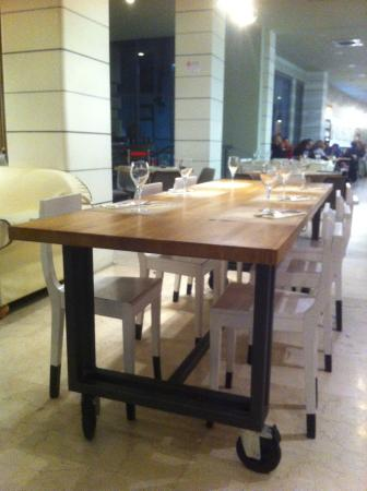 Tavoli in stile anni 70 tipici da cucina - Picture of ...