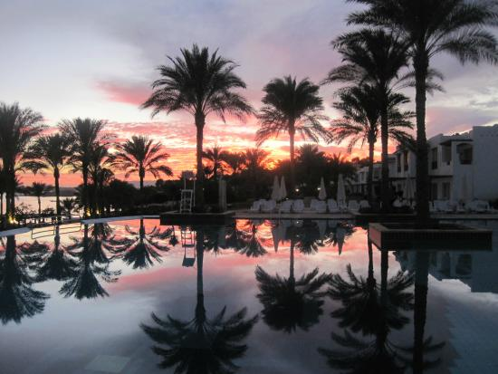 Continental Garden Reef Resort : Закат