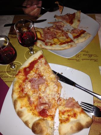 Bar Mirabar : Mira Bar pizza and wine