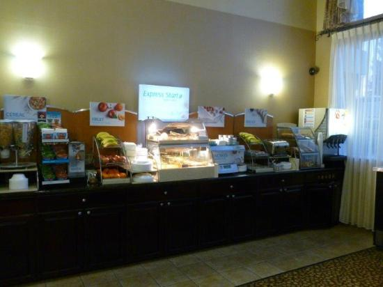 Holiday Inn Express Livermore: Morning Breakfast Buffet