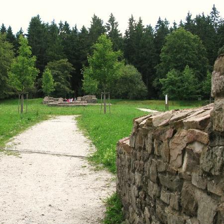 Limeskastell / Roemerkastell Feldberg: Alte Mauern vorbildlich restauriert