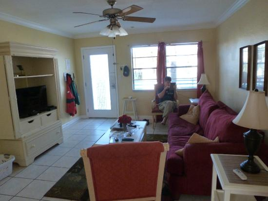 Royal North Beach: Living room