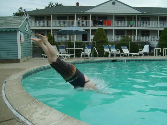 Mariner Resort : pool fun!