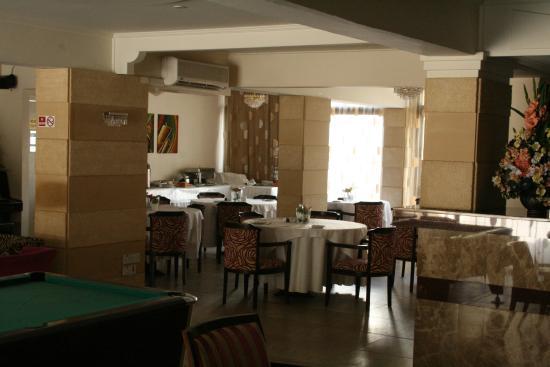 Jasmine Hotel  Apartments: Dining area.