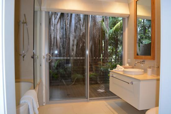 Arajilla Retreat - Lord Howe Island : Bathroom