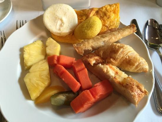 Hotel Estelar La Fontana: Breakfast