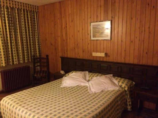 Hotel Adsera : Habitación