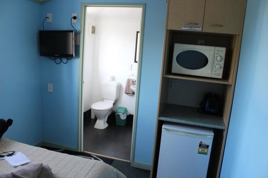 MicroTel : Quarto - Microondas e frigobar disponíveis