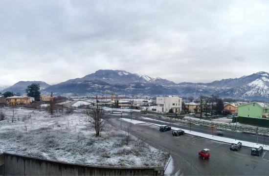 Schio, Italy: Вид из окна. Альпы.