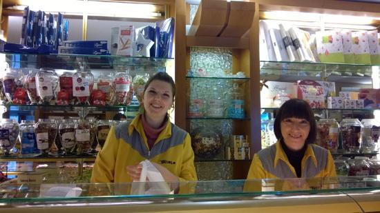 Pasticceria Tonolo: ragazze sorridenti