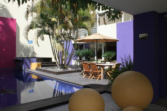 Casa Serena Apart - Hotel: The swimming pool area