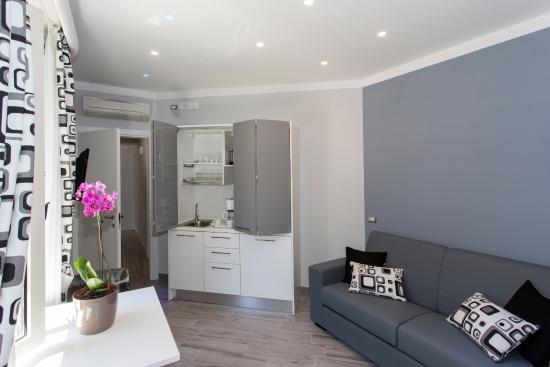 Soggiorno con angolo cottura Diamante - Bild von Apartments Amalfi ...