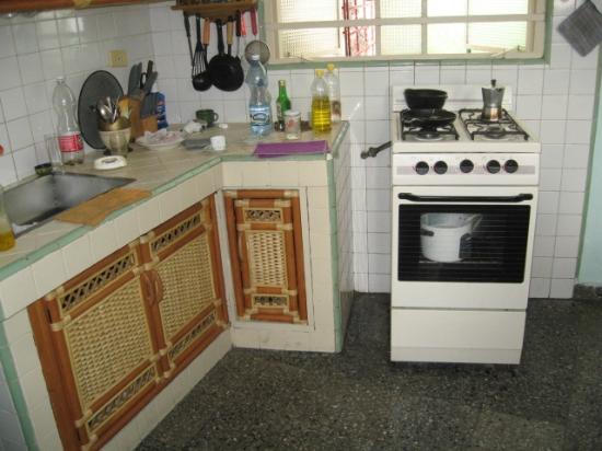 Ramiros House: Kitchen
