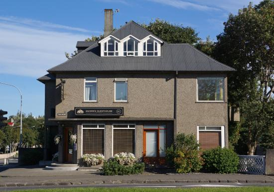 Snorri's Guesthouse: Main B&B building