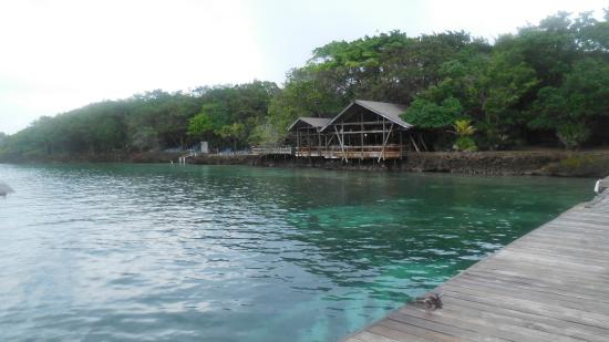 Half Moon Resort : View of the restaurant from the dock