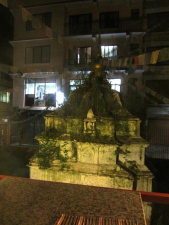 Cafe Mitra & Lounge Bar : stupa