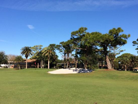 New Smyrna Beach Golf Course: Lovely hole #2