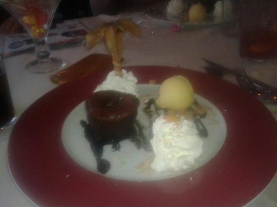El Mandil: El couland riquisimo de chocolate y la decoracion muy bonita