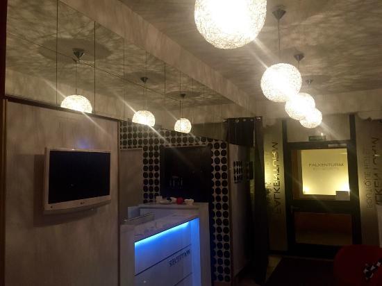 Hotel Falkenturm: Empfang