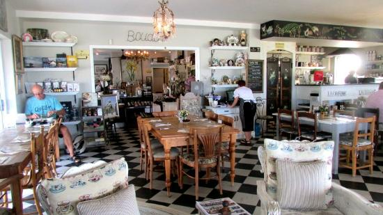 Just Pure Bistro: Gorgeous Layout and Decor