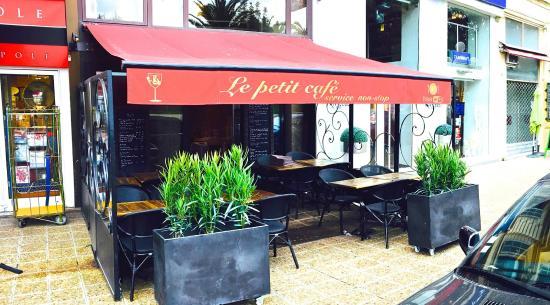 Foto de le petit cafe nice niza le petit cafe tripadvisor for Petit restaurant