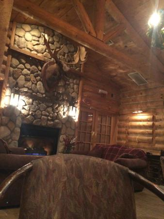 The Copperfield Inn Resort: Trappers Restaurant