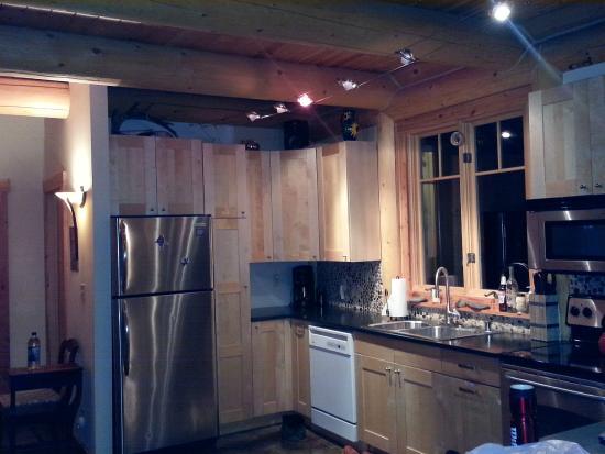 Mazama Country Inn: Kitchen