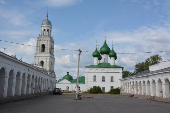 Poshekhonye, Russia: Торговые ряды и собор