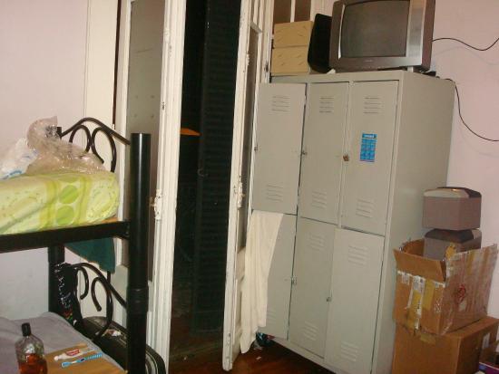 La Rocca Hostel: Mal estado dormitorios