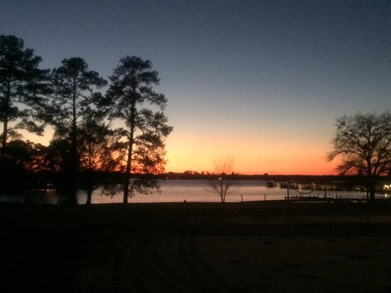 Lake Blackshear Resort and Golf Club : Sunset across the lake.
