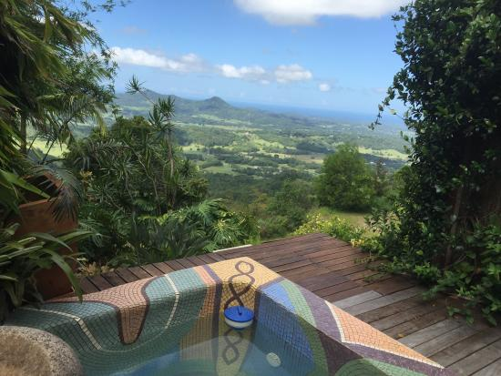 The spectacular view from our spa - Foto van Koonyum Range Retreat ...