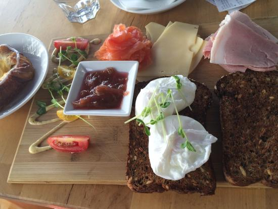 Delikatessen: Incredible breakfast platters. Very filling and great value.