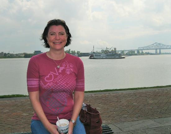 Woldenberg Riverfront Park: The lovely Genevieve on the Mississippi