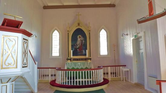 Honningsvag Church: Like so many alters in Scandinavia it peacefully serves it's purpose
