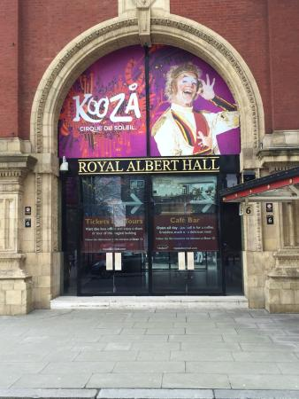 Entrada picture of royal albert hall london tripadvisor for Door 12 royal albert hall