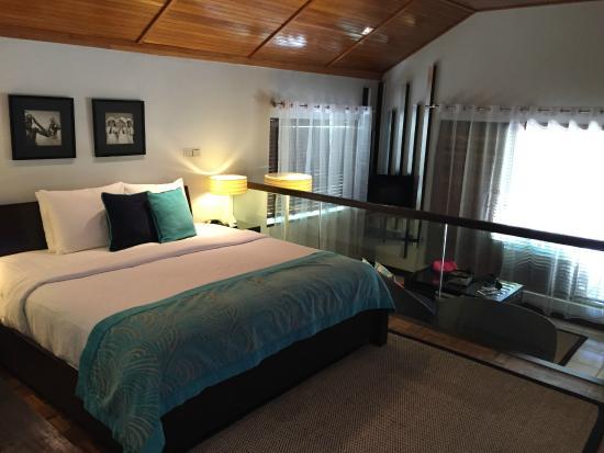 room in deluxe bungalow - Picture of Velassaru Maldives, Velassaru Island - Tripadvisor