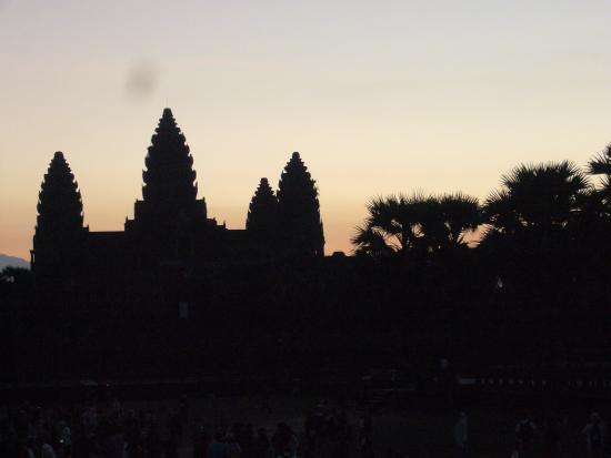 Angkor Vat : アンコール・ワットの夜明け