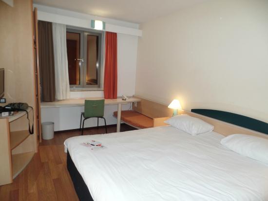 Ibis Stuttgart City: The room