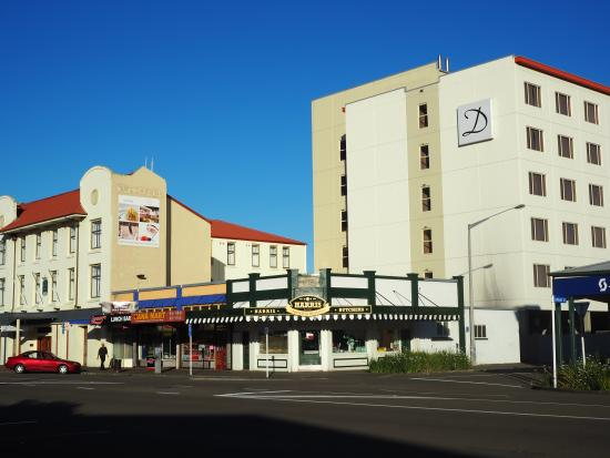 Distinction Palmerston North Hotel & Conference Centre: Hotel exterior from Cuba Street