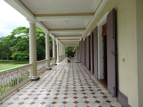 Le bureau picture of chateau de labourdonnais mapou tripadvisor